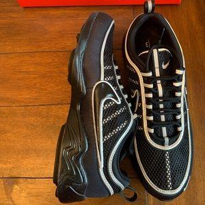 Nike Shoes - 🆕Nike air zoom Spiridon